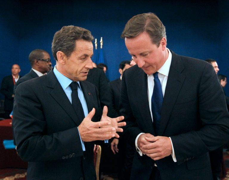 l'ex president francais nicolas sarkozy et le premier ministre britannique david cameron lors d un s