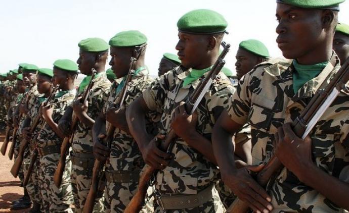 armee malienness 127875590