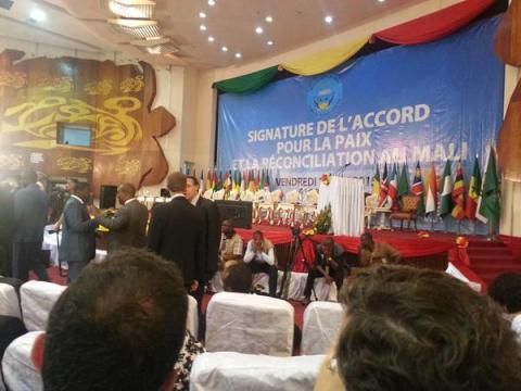 accord de paix signature
